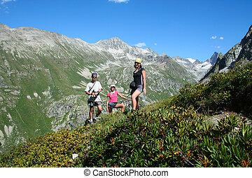halt  - group of hikers taking a rest