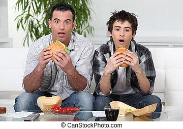 hamburger, broers, terwijl, verbazing, eten, het staren