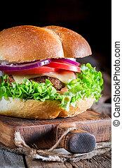 hamburger, kaltes getränk, closeup, selbstgemacht
