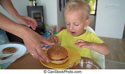 hamburger, mouvement, hands., gimbal, peu, tenue, fils, mère, grand, amer