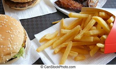 hamburgers, sain, frire, jeûne, nourriture., nourriture, francais, pas, table, poulet, frit, plateau, ailes