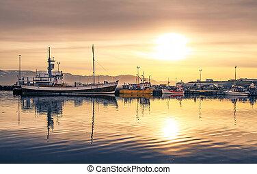 hamn, island, sänder, husavik, solnedgång, lögnaktig
