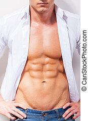 hanche, gros plan, unbuttoned, chemise, shirt., jeune, musculaire, tenant mains, sexy, beau, mon, homme