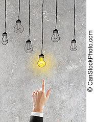 hand, geht, zu, glühen glühbirne, idee, begriff