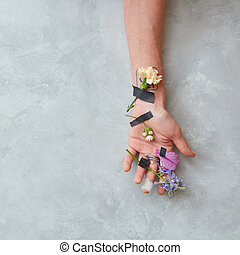 hand girl in flowers