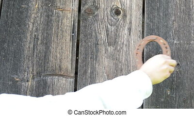 hand hang horse shoe - Hand hang retro rusty horse shoe on...