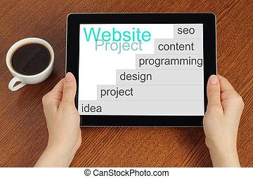 hand, houden, tablet pc, met, website, project's, ontwikkeling, stappen