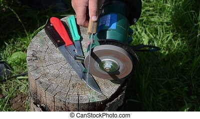 hand knives sharpening - Hand sharpening knives with...