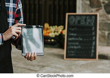 hand, mann, in, geschaeftswelt, mit, der, tablette