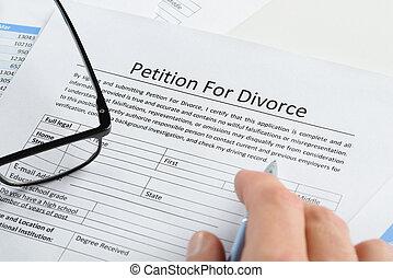hand, met, pen, op, petitie, voor, scheiding, papier