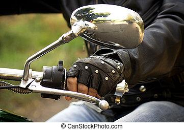 Hand rider on the handlebars