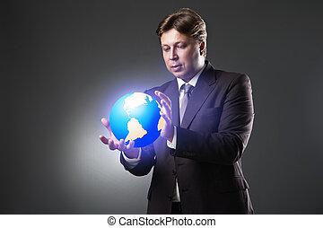 hand, van, zakenmens , houden, aardebol, op, donker