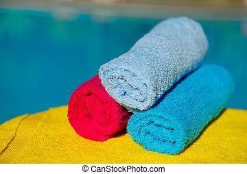 handdukar, nära, badbassäng