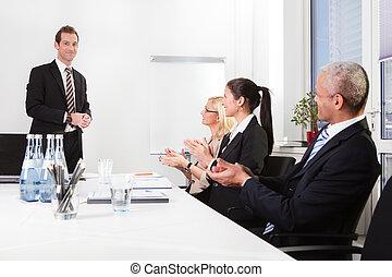 handel team, applauding, om te, presentatie
