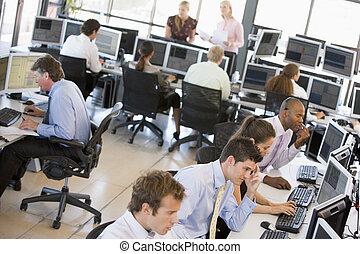 handelsmænd, fortravlet, aktie, kontor, udsigter