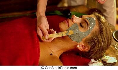 handen, close-up, masker, lichaam, klei, spa, beautician., masseren, salon.