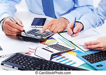 handen, van, zakenlui, met, calculator.
