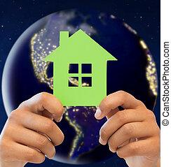 handen, vasthouden, groen huis, op, aarde, in, ruimte