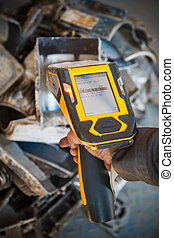 handheld XRF analyzer spectrometer for scrap metal in action