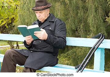 handicapé, béquilles, lecture, séance homme
