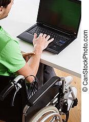 handicapé, employé, jeune, fonctionnement