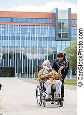 Handicapé, personne agee,  carer