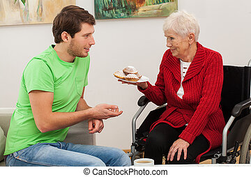 handicapé, sien, tante, homme, visiter