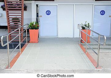 handicapé, toilettes, pots fleurs, gens
