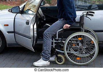 handikappad, chaufför, fik, in i, a, bil