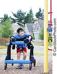 handikappad, pojke, in, fotgängare, gående, till, a,...
