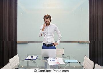 handlowa głoska, akcentowany, szkło, mówiąc, deska, czysty, blondynka, człowiek