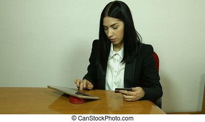 handlowa kobieta, pracujący, w, biuro