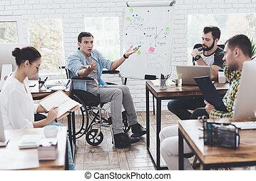 handlowe biuro, chwile, biuro., pracownicy, nowoczesny, dyskutując, wheelchair, człowiek
