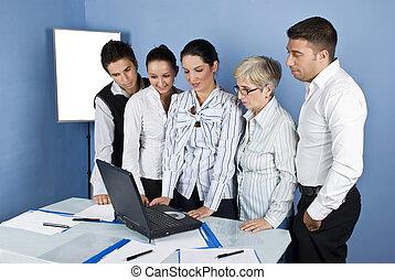 handlowe biuro, ludzie, laptop, używając, personel