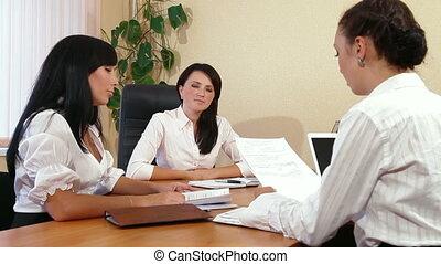 handlowe kobiety, pracujący razem