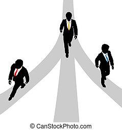 handlowe mężczyźni, chód, rozchodzić się, na, 3, ścieżki