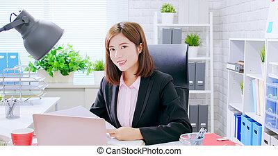handlowy, asian kobieta, uśmiech