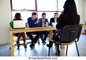 handlowy, kariera, i, biuro, pojęcie, -, kobieta interesu, na, akcydensowy interwiew, w, biuro