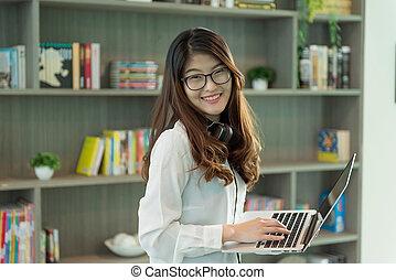 handlowy, laptop, biuro, biblioteka, osoba, asian, używając, dziewczyna