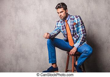 handlowy, młody, krzesło, posiedzenie, człowiek