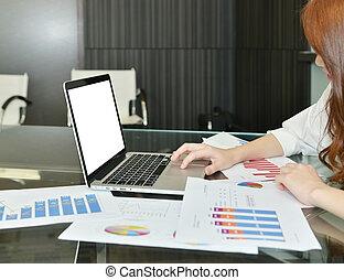 handlowy, obrazy, laptop, nowoczesny, wykresy, okienko osłaniają