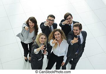 handlowy, pokaz, do góry, kciuki, drużyna, uśmiechanie się