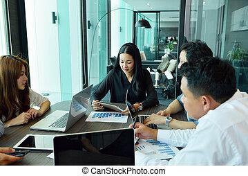 handlowy, skuwka, teamwork, asian, drużyna, posiadanie, spotkanie