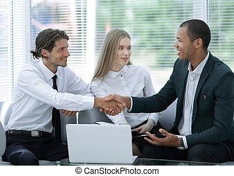 handlowy wzmacniacz, powitanie, nawzajem, z, niejaki, uzgodnienie