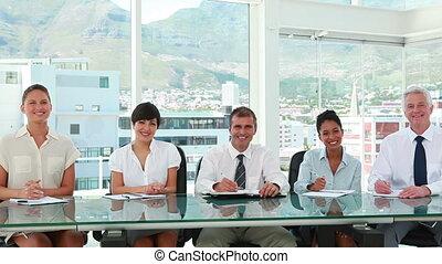 handlowy zaludniają, oklaskując, posiedzenie, stół, kreska