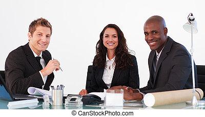 handlowy zaprzęg, mówiąc do, nawzajem, w, niejaki, spotkanie