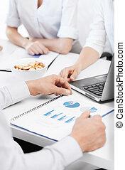 handlowy zaprzęg, posiadanie, dyskusja, w, biuro
