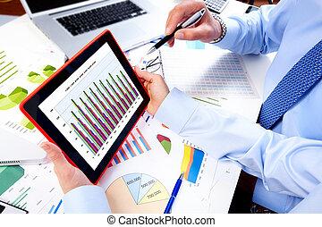 handlowy zaprzęg, tabliczka, pracujący, computer.