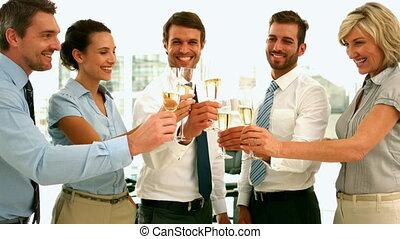 handlowy zaprzęg, toasting, z, champag