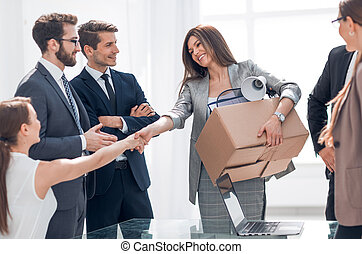 handshake a new employee with the project Manager